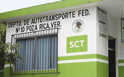 SCT Cierra su oficina en Poza Rica, Veracruz, 25 mil transportistas perjudicados.