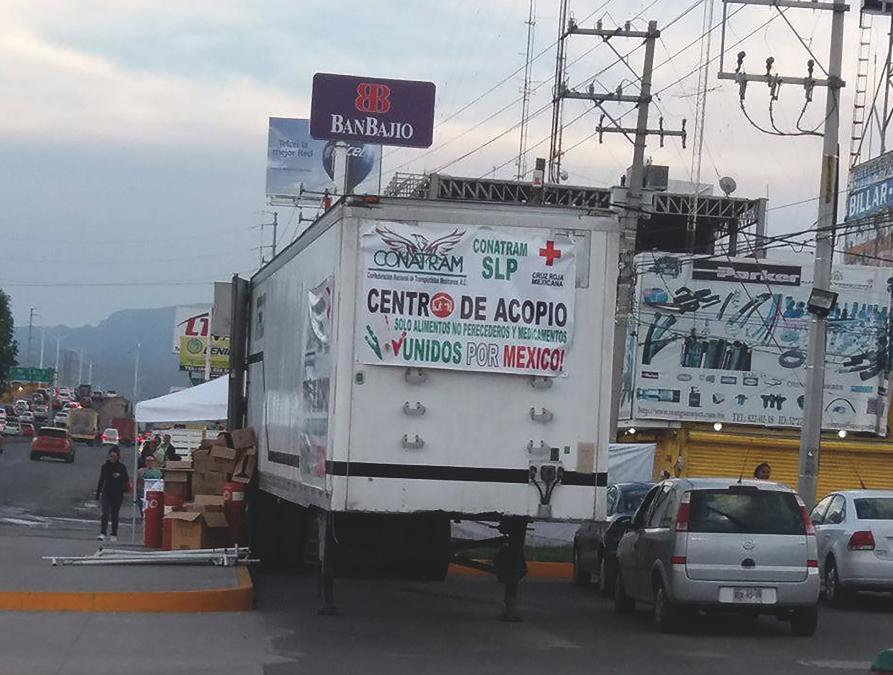 Transportistas de México unidos ante la adversidad.