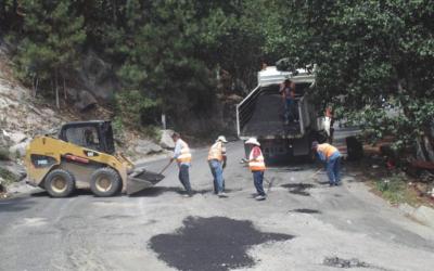 """""""No dicen que no,  pero no dicen para cuándo"""" Mejor viajar por terracería que por la carretera Parral-Guadalupe y Calvo."""