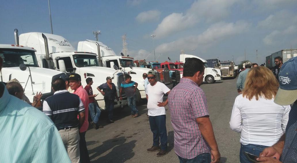 CONATRAM PROTESTA EN ALTAMIRA, 612 tráileres parados.